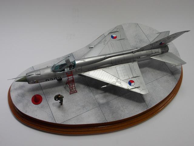 MiG-21 F-13 (Trumpeter 1/48) 16050603321310194414204818