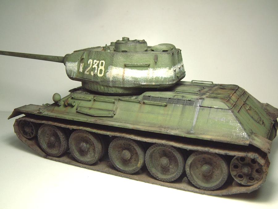"T-34/85 ""Berlin 1945"" [Academy] 1/35e - Page 2 1605290643554769014267269"