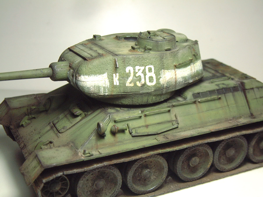 "T-34/85 ""Berlin 1945"" [Academy] 1/35e - Page 2 1605290644014769014267270"