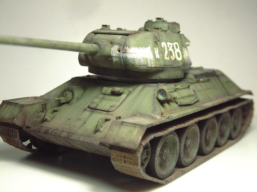 "T-34/85 ""Berlin 1945"" [Academy] 1/35e - Page 2 1605290644074769014267271"