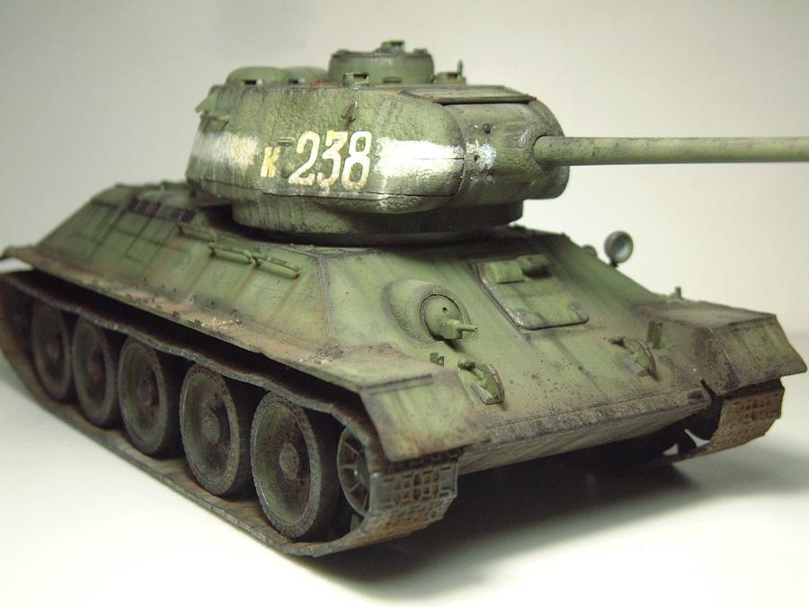 "T-34/85 ""Berlin 1945"" [Academy] 1/35e - Page 2 1605290644124769014267273"