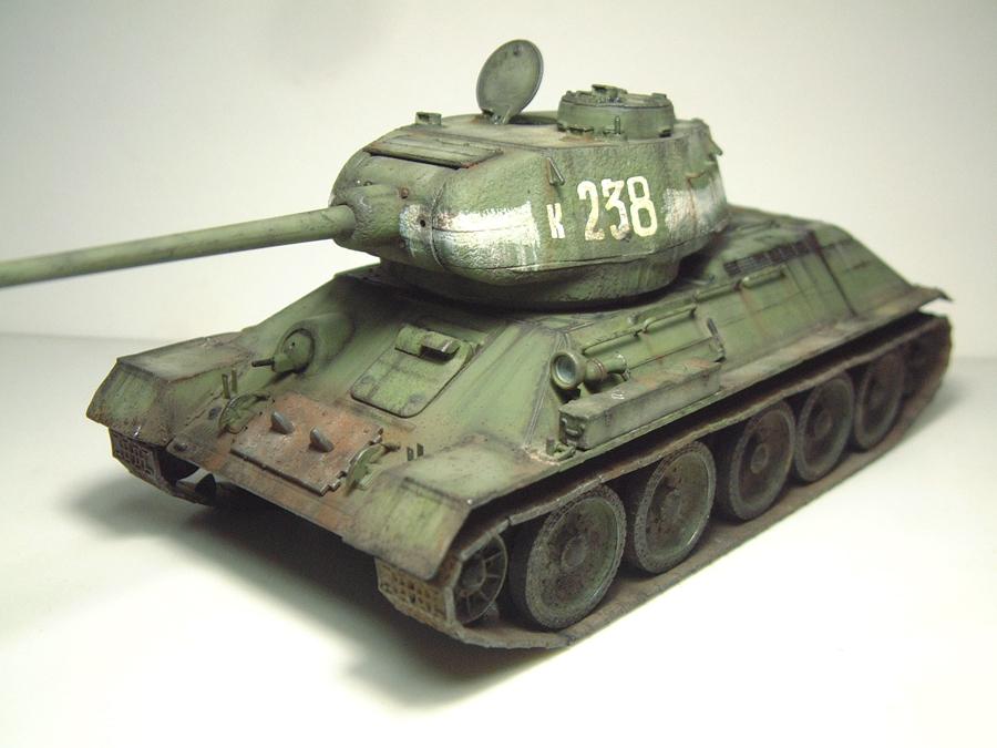 "T-34/85 ""Berlin 1945"" [Academy] 1/35e - Page 2 1605300624284769014269811"