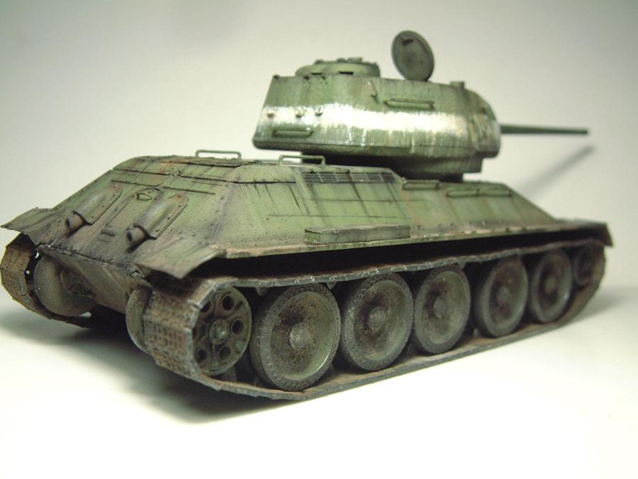 "T-34/85 ""Berlin 1945"" [Academy] 1/35e - Page 2 1605300624394769014269813"