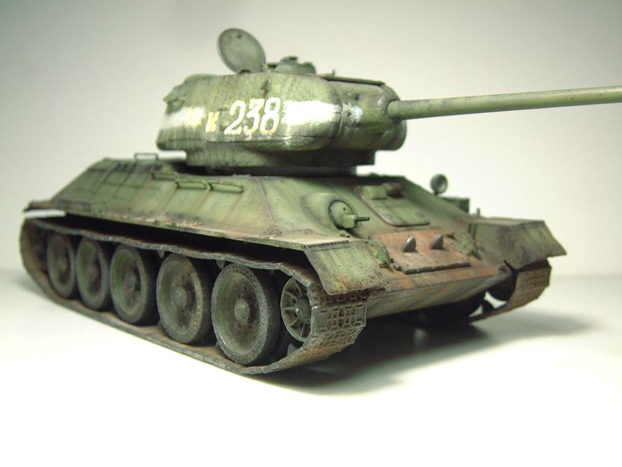 "T-34/85 ""Berlin 1945"" [Academy] 1/35e - Page 2 1605300624434769014269814"