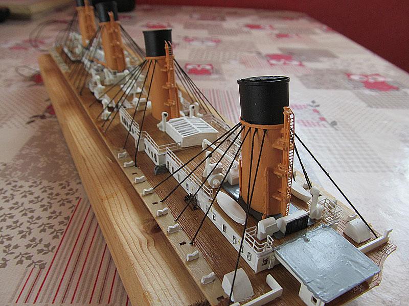 Encore un Titanic en construction 1/400 de chez Academy - Page 2 16060402522518121214281920