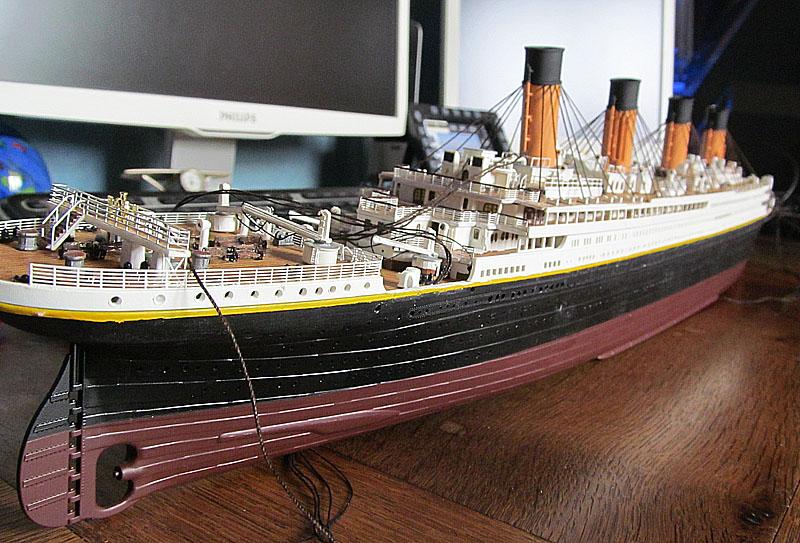 Encore un Titanic en construction 1/400 de chez Academy - Page 2 16060402544318121214281964