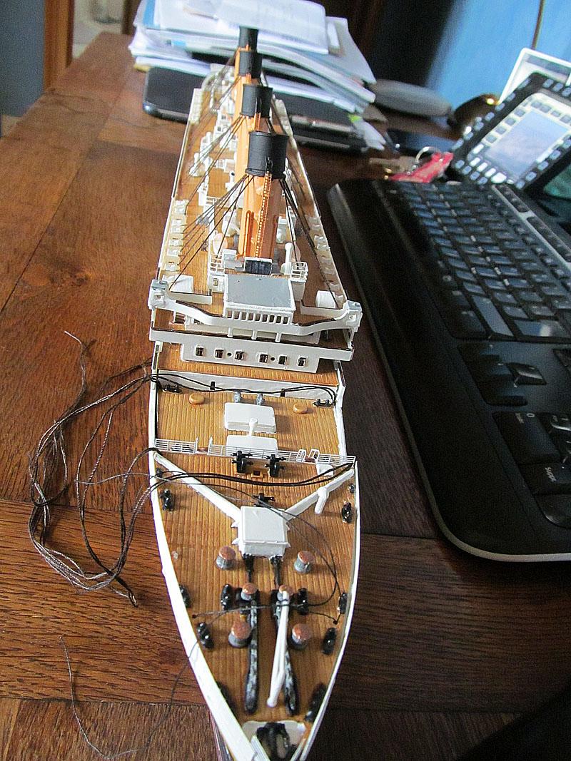 Encore un Titanic en construction 1/400 de chez Academy - Page 2 16060402544618121214281965