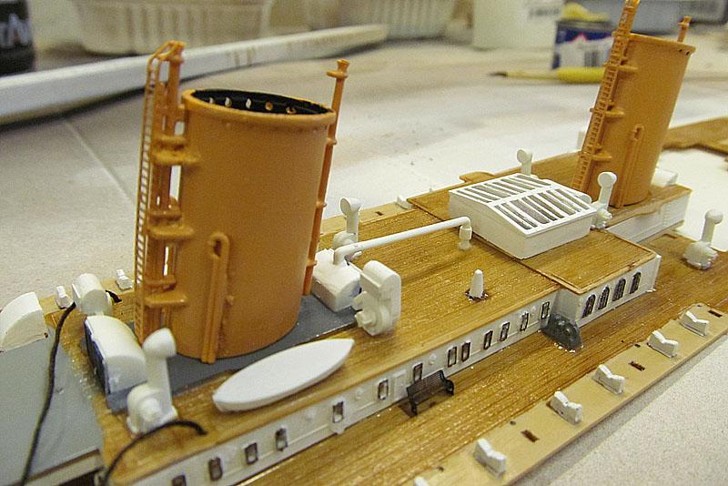 Encore un Titanic en construction 1/400 de chez Academy 16060412182818121214281579