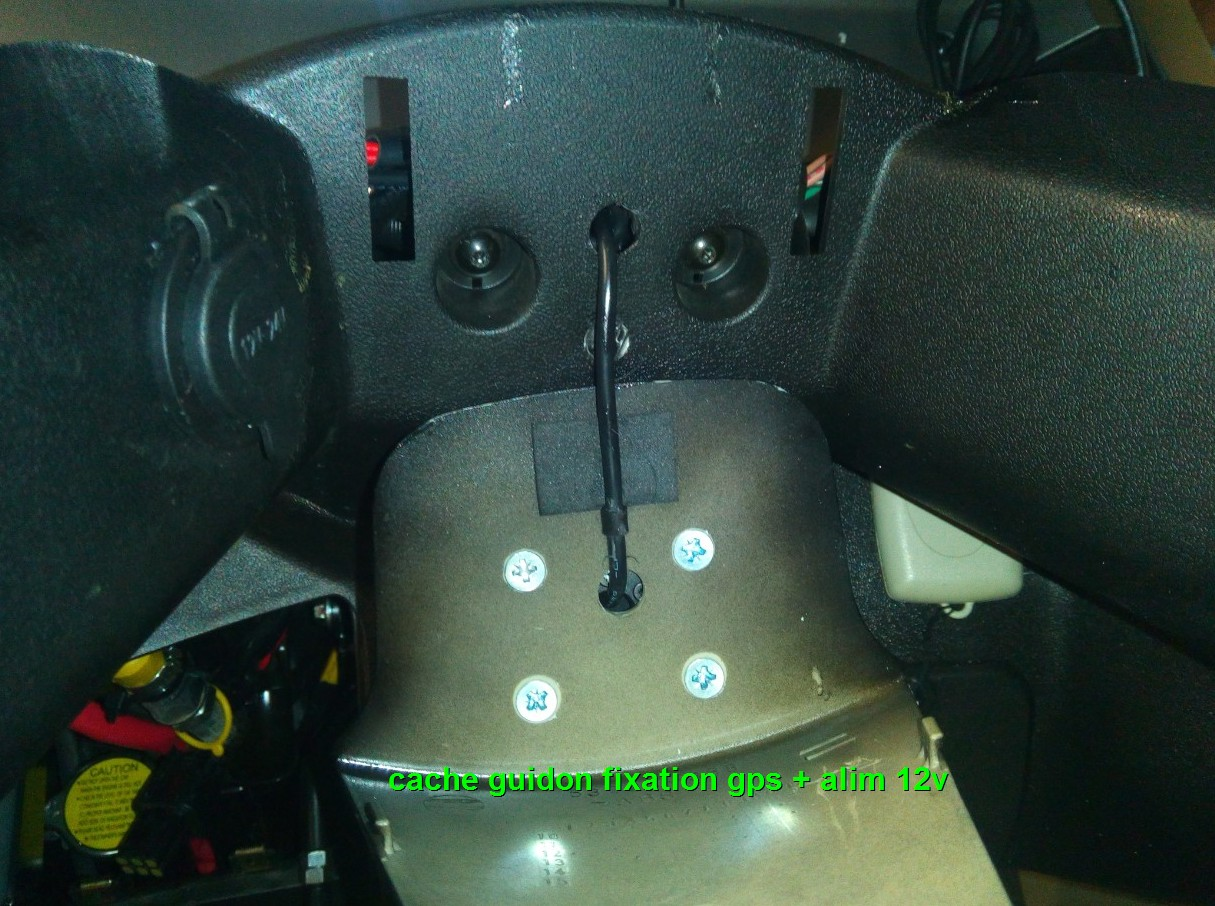 Fixation GPS et branchement pour quadro 1606290351166010314341431