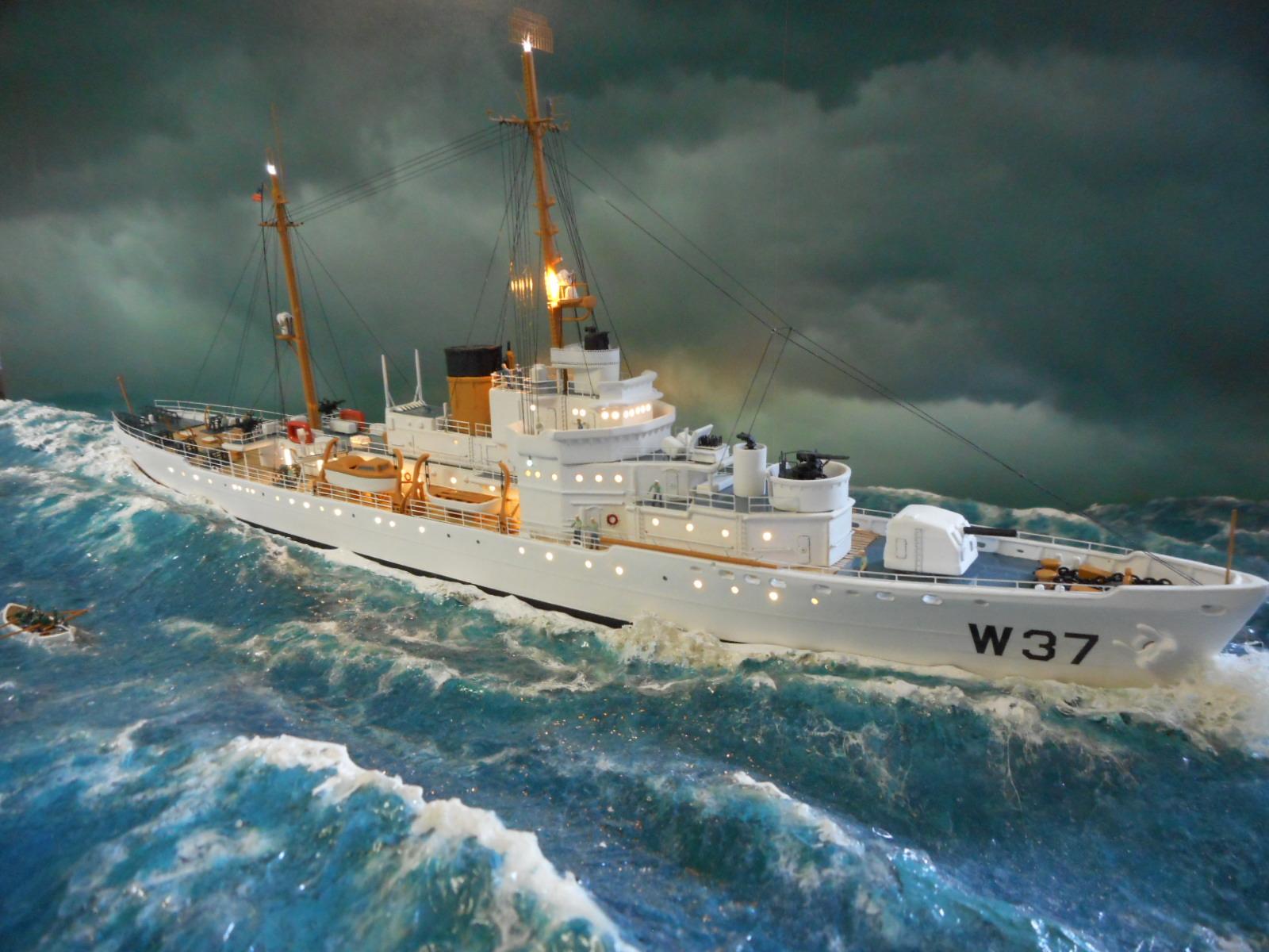 USS TANEY 1/300 Revell  16070410001220399714352976