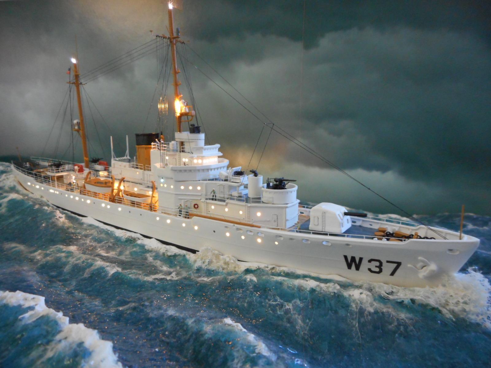 USS TANEY 1/300 Revell  16070410002820399714352980