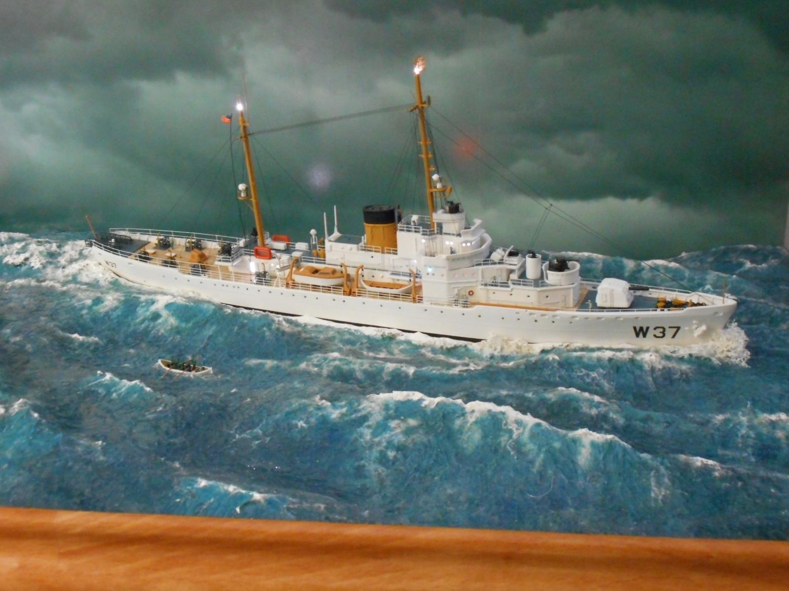 USS TANEY 1/300 Revell  16070410003220399714352981