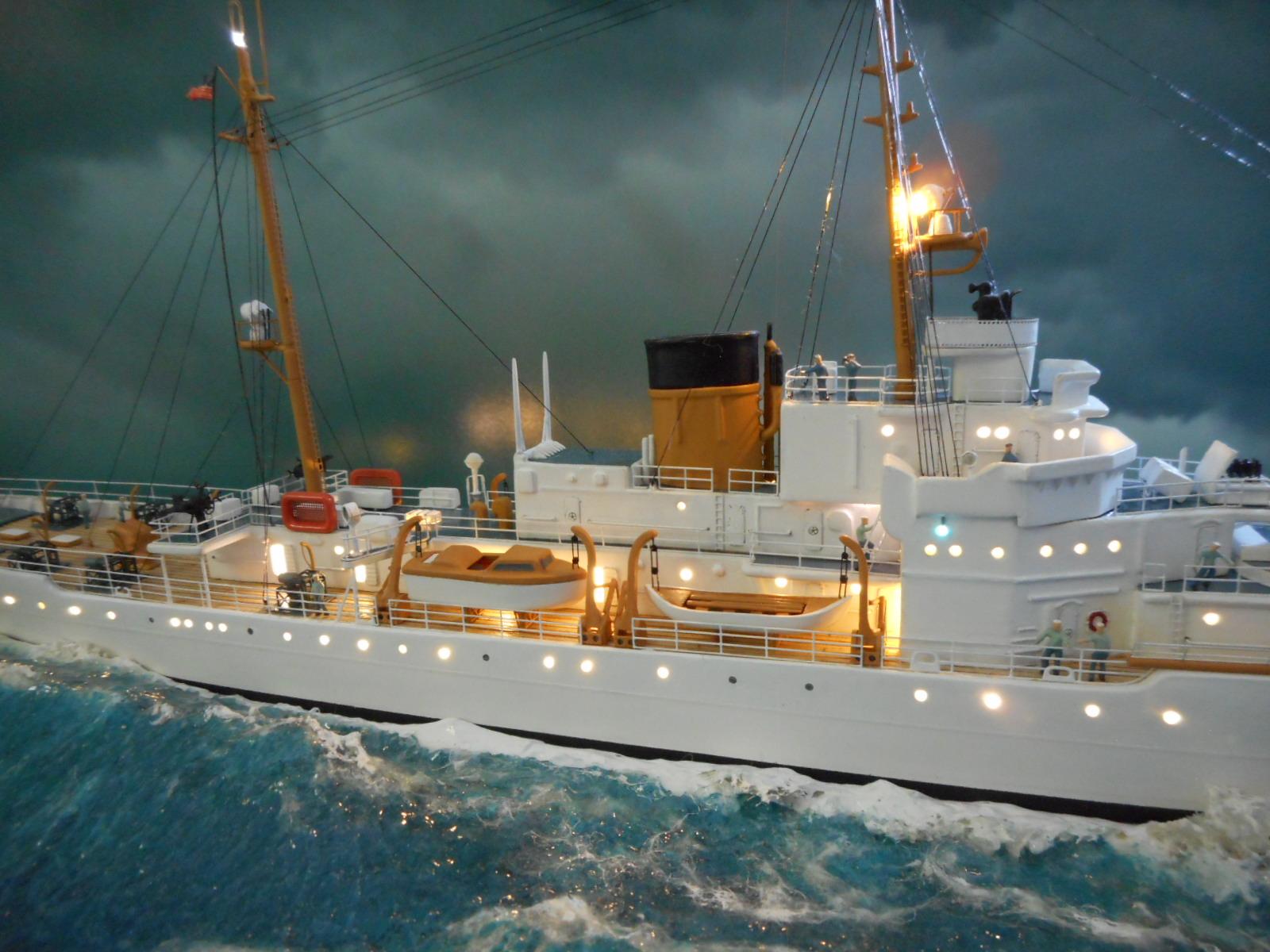 USS TANEY 1/300 Revell  16070410004020399714352983