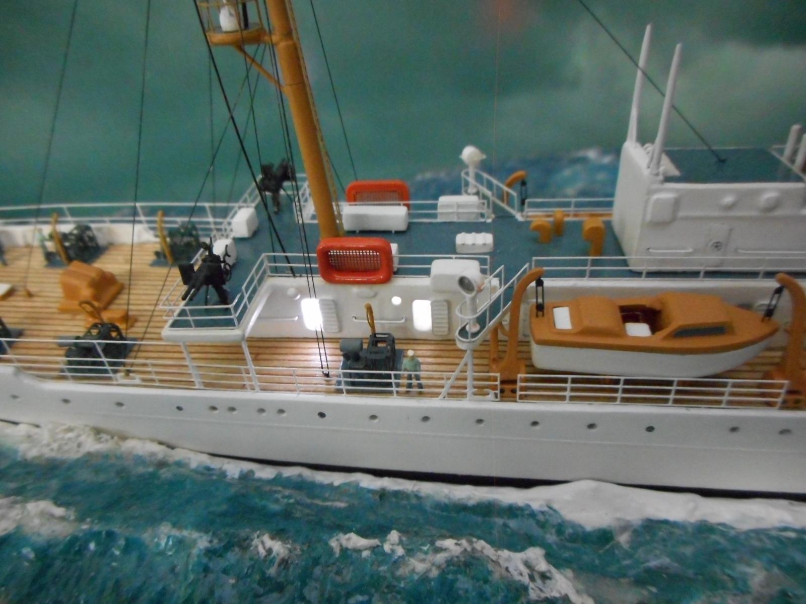 USS TANEY 1/300 Revell  16070410012120399714352993