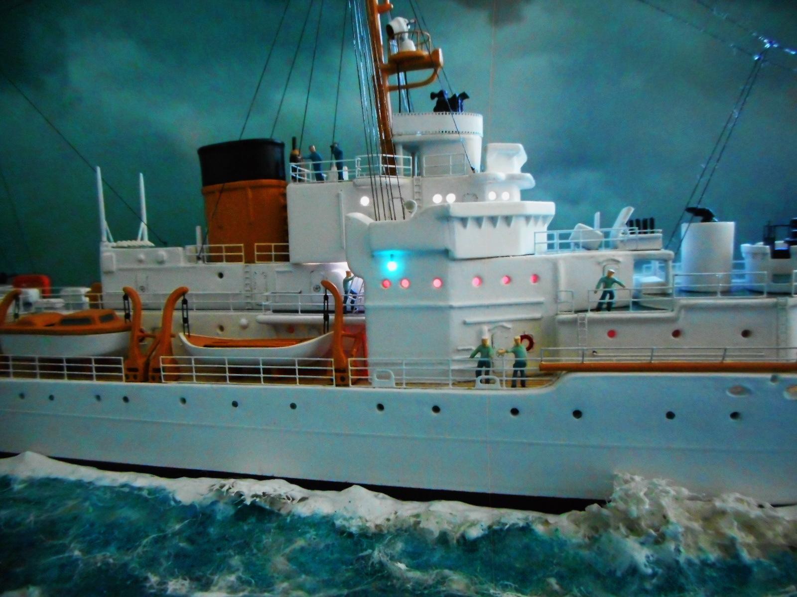 USS TANEY 1/300 Revell  16070412400120399714353170