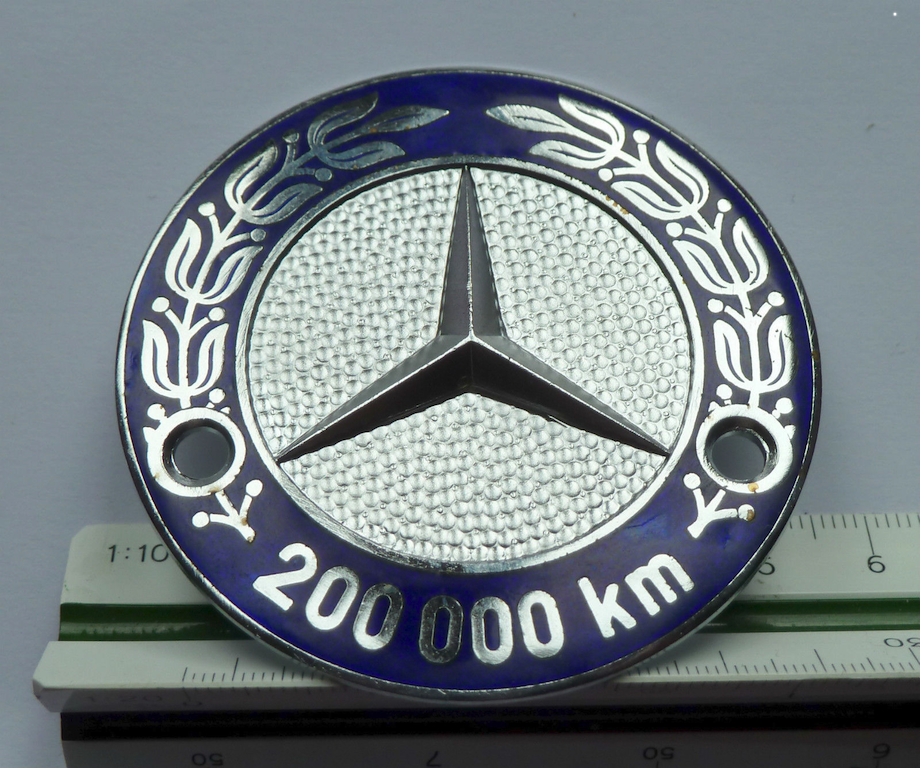 Logos / Badges de calandre pour Mercedes ayant un important kilometrage 16082205161012480114445326