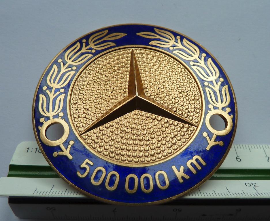 Logos / Badges de calandre pour Mercedes ayant un important kilometrage 16082205161212480114445329