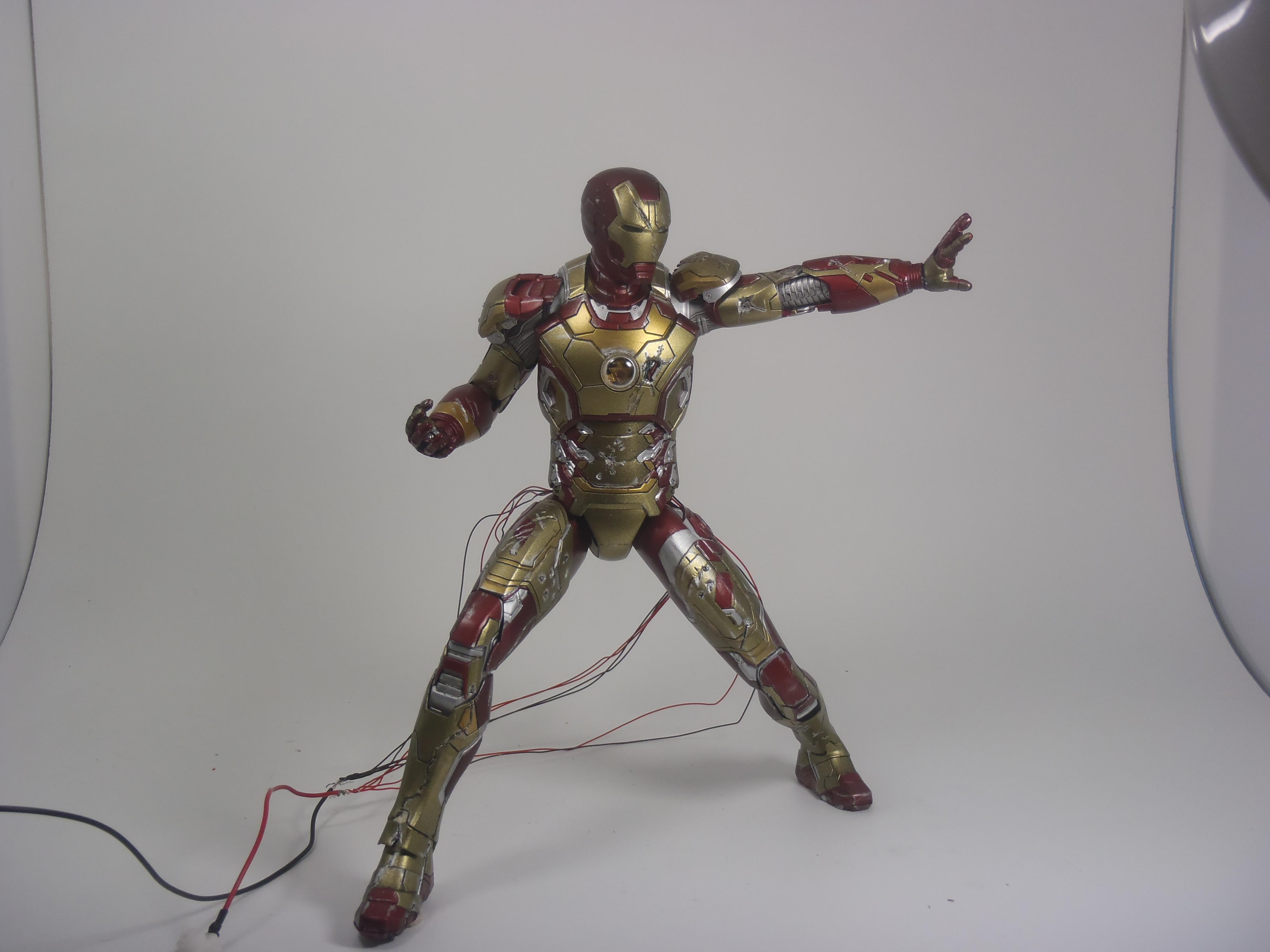 IRON MAN 1/9 (dragon model ) 16082409153915742614449794