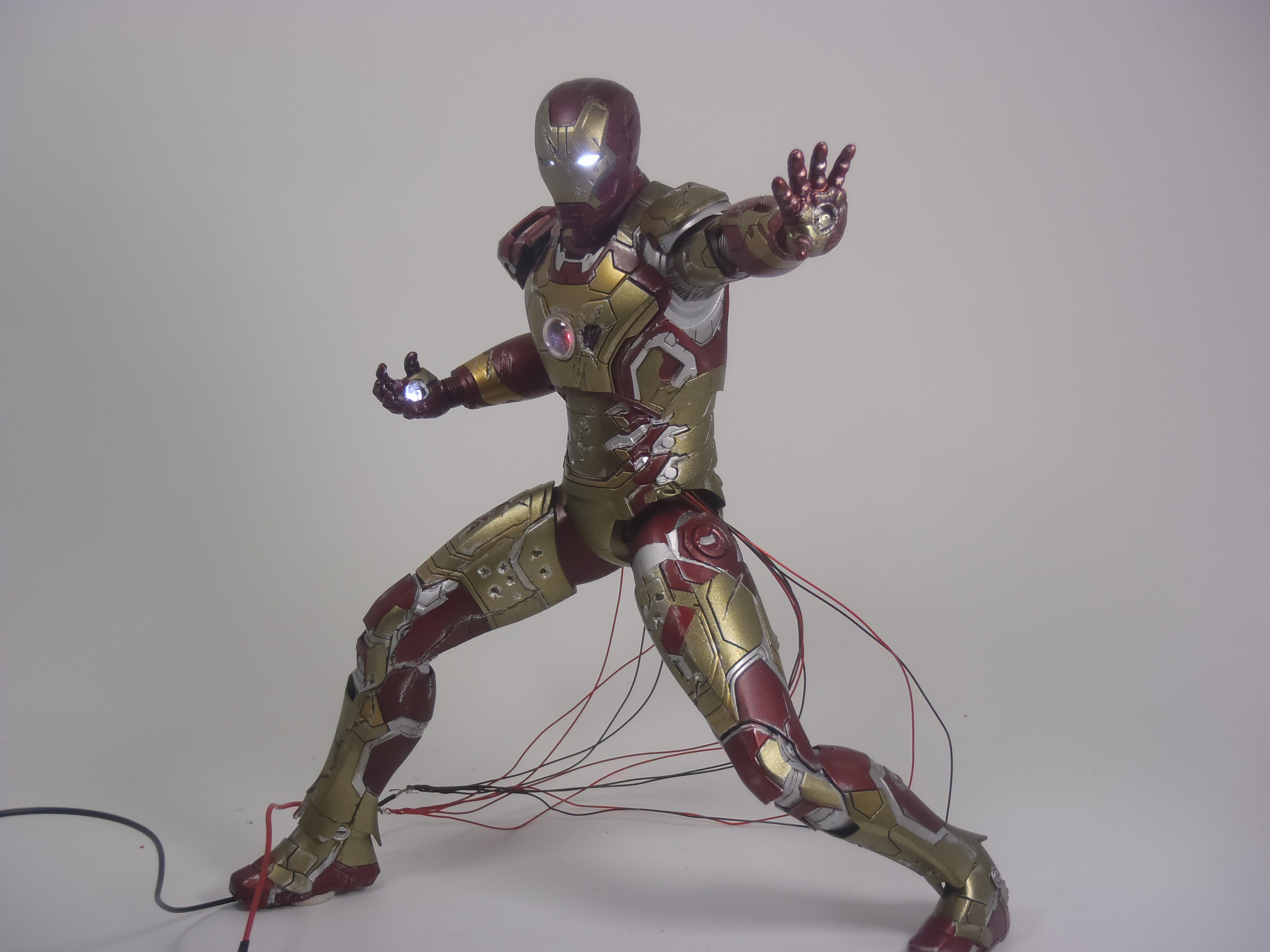 IRON MAN 1/9 (dragon model ) 16082409154315742614449796