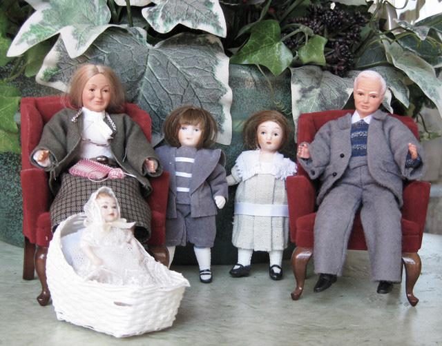 Dolls-803
