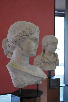 ARLES Musée 2011 - arlesoctobre2011 077