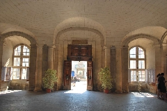 Arles octobre 2011 Mairie.jpg