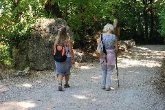 SAINT MAXIMUN- La Ste Beaume 2008 - 28aout2008 Mauricette et Valérie