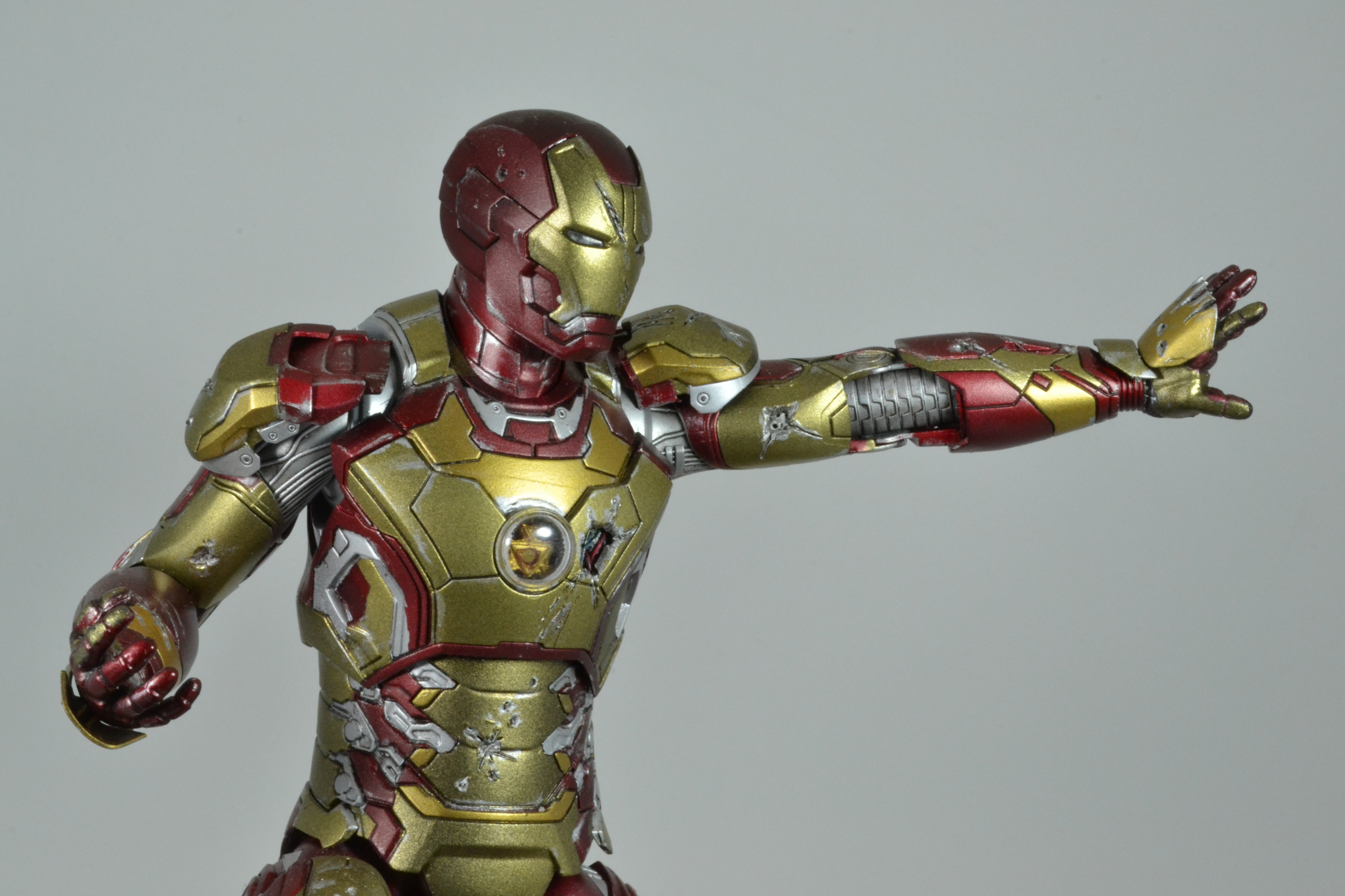 IRON MAN 1/9 (dragon model ) 16100310085115742614533369