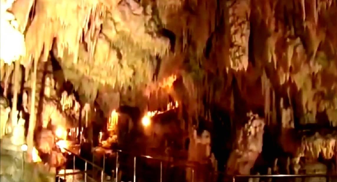 La Grotte de Diros (Documentaire grec)  16100702445918848214540476