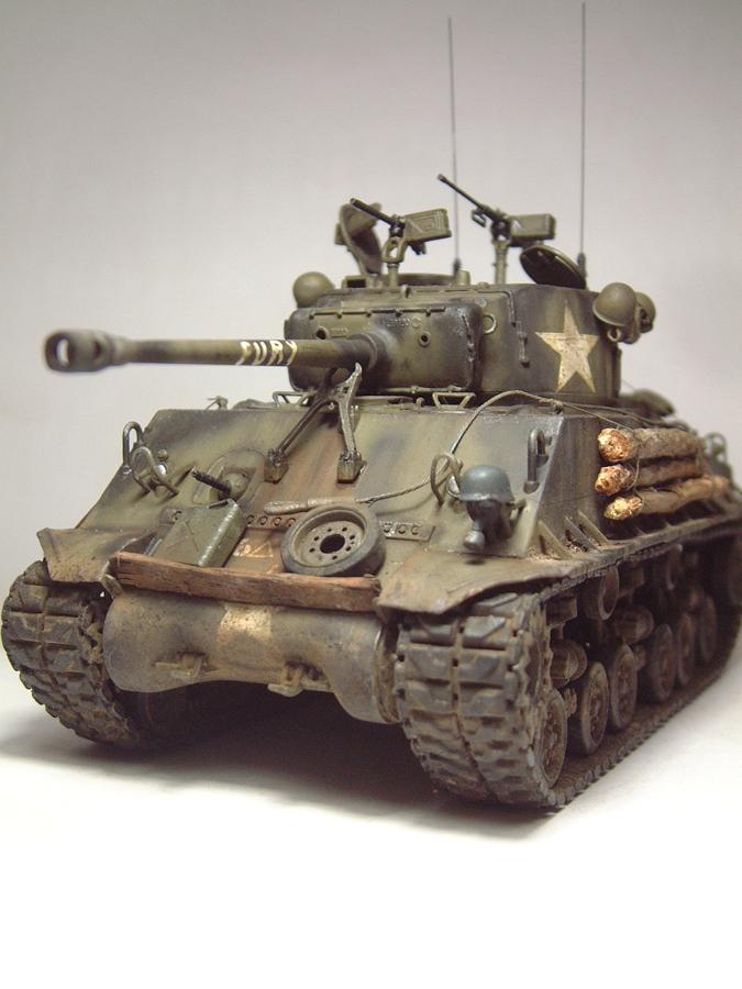 """M4A3E8 Sherman """"Fury"""" - 1/35e - [Italeri] 1610300326544769014594052"""