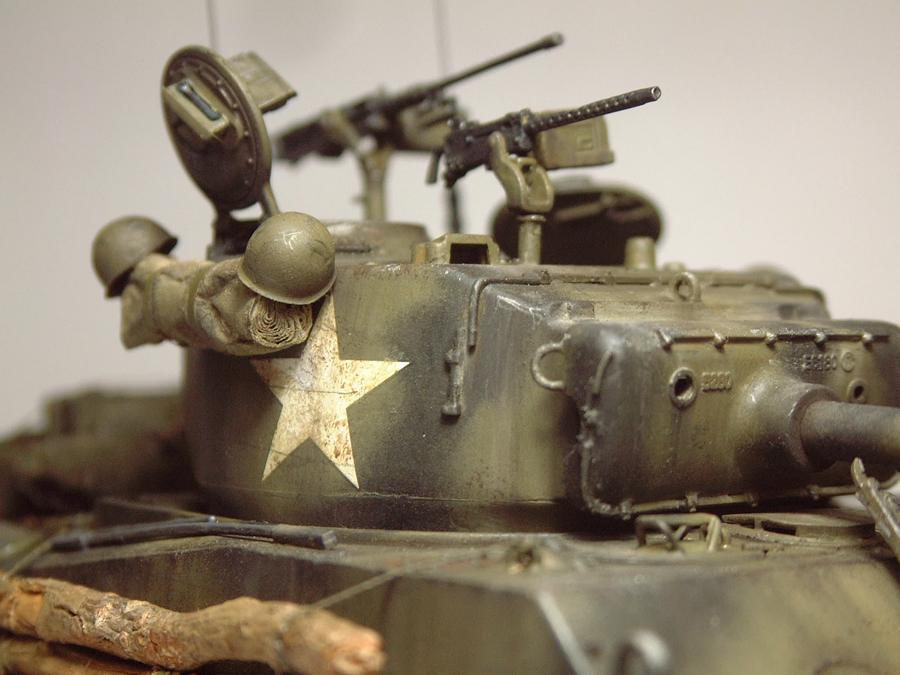 """M4A3E8 Sherman """"Fury"""" - 1/35e - [Italeri] 1610300327374769014594060"""