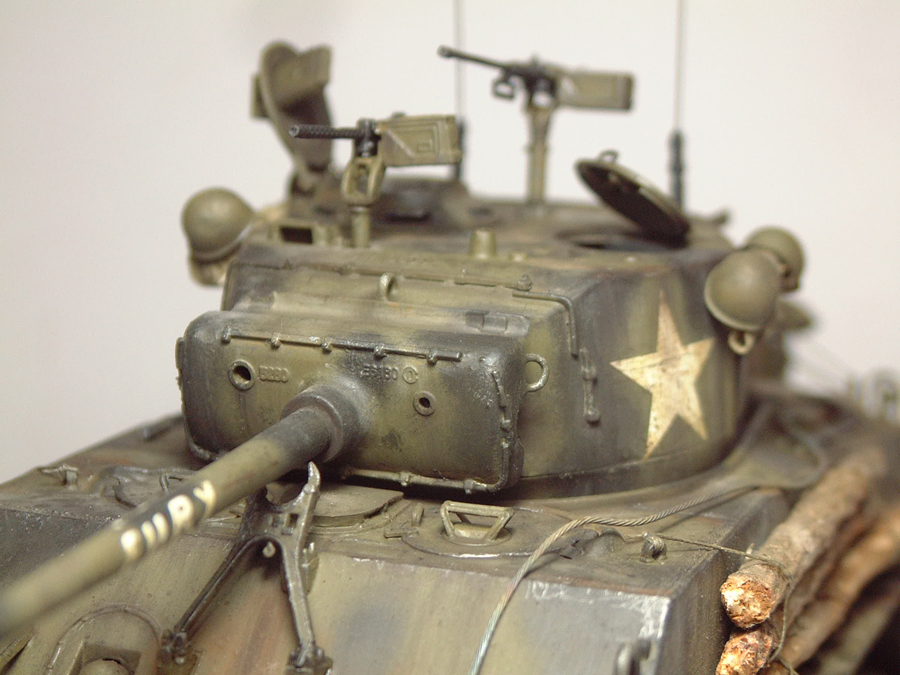 """M4A3E8 Sherman """"Fury"""" - 1/35e - [Italeri] 1610300327444769014594061"""