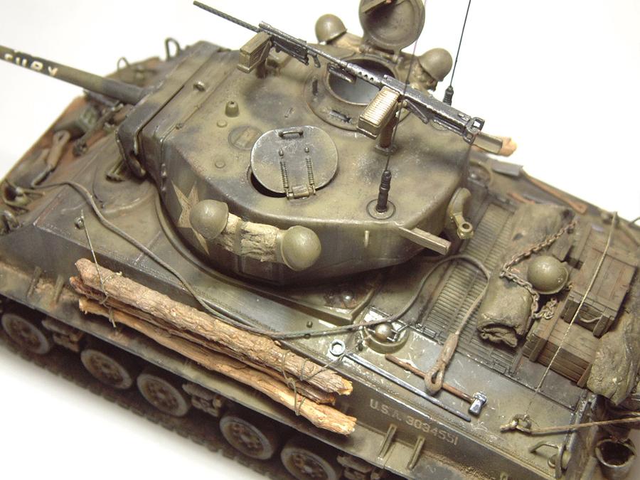 """M4A3E8 Sherman """"Fury"""" - 1/35e - [Italeri] 1610300328114769014594065"""