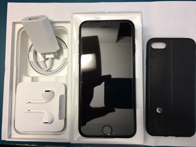 iphone 7 noir mat 32 go neuf apple store vendu t l phonie achats ventes forum. Black Bedroom Furniture Sets. Home Design Ideas