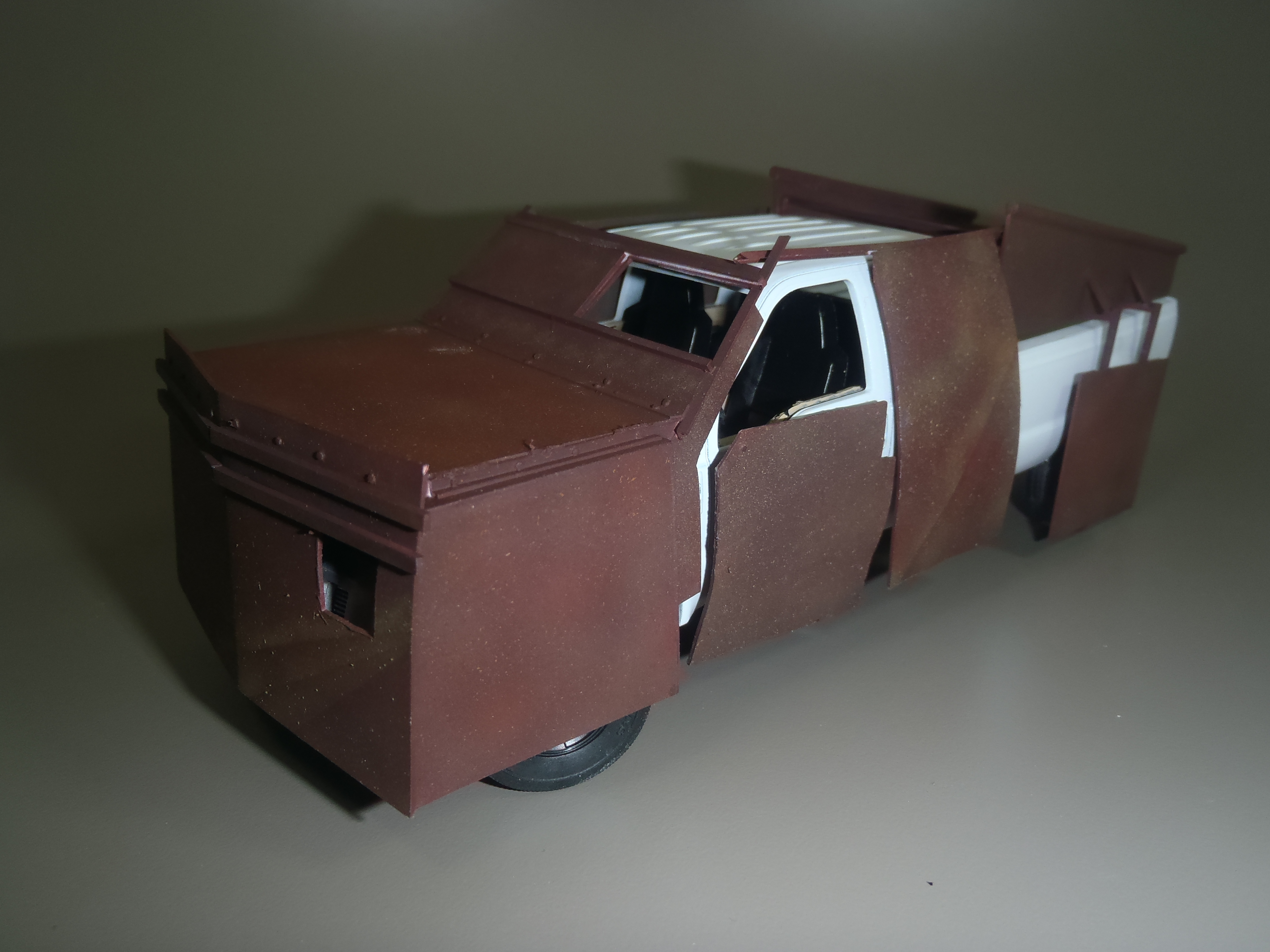 Pickup F 350 (Meng) au 1/35 - Page 2 16111509535615742614639661