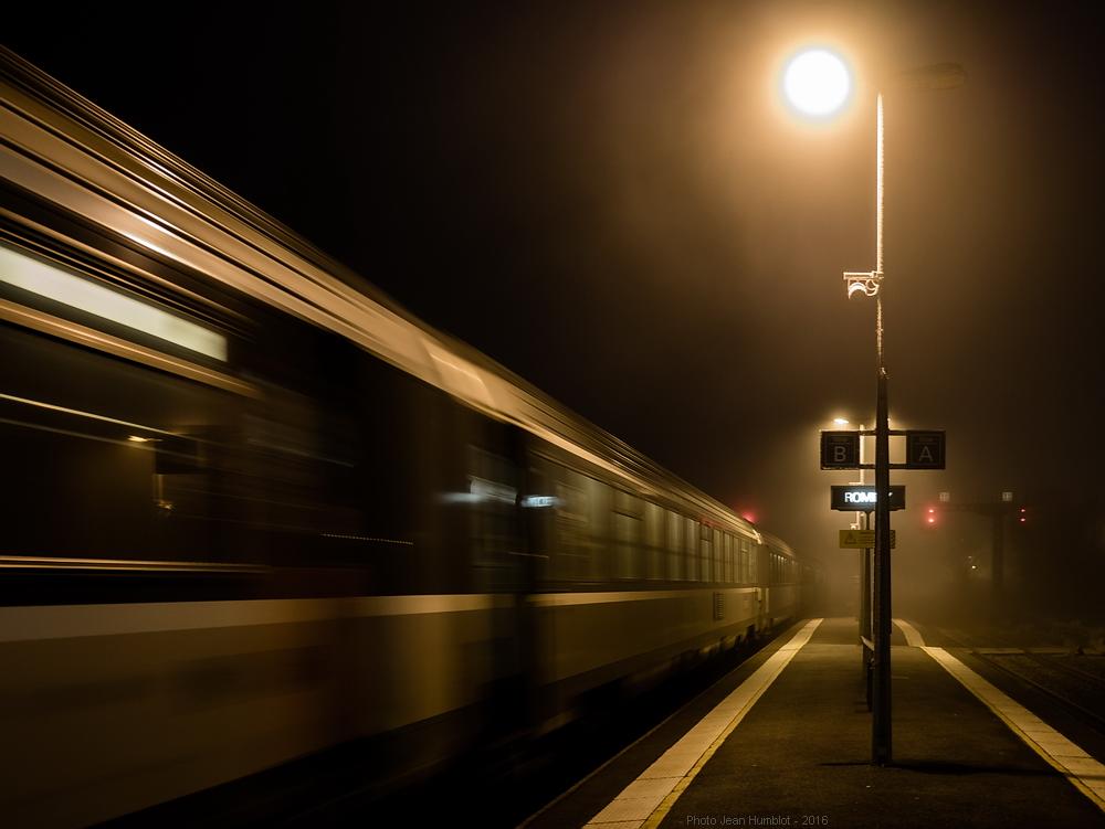 Le train de 17h05 a du retard 17011602255221497014775058