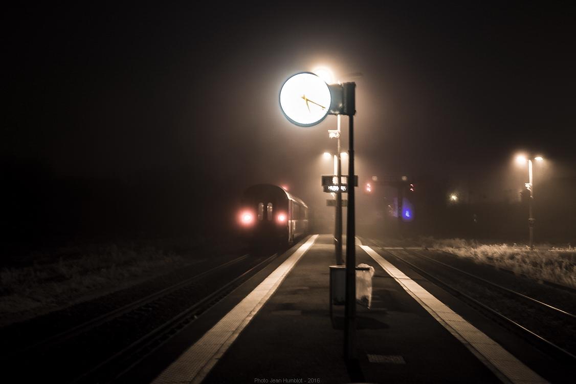 Le train de 17h05 a du retard 17011602255721497014775059