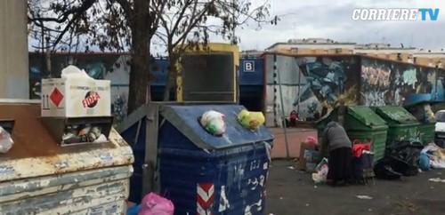 Roma, fermata Metro B a Pietralata assediata dai rifiuti